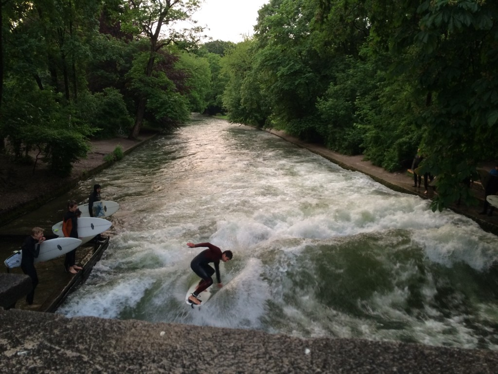 Surfing at the the Isar
