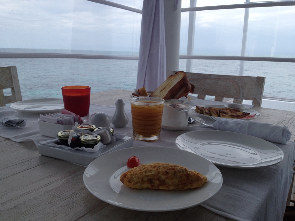 Breakfast atThudufushi, Maldives. By Packing my Suitcase.