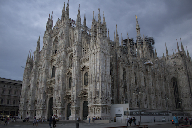 The Duomo di Milano under a stormy sky