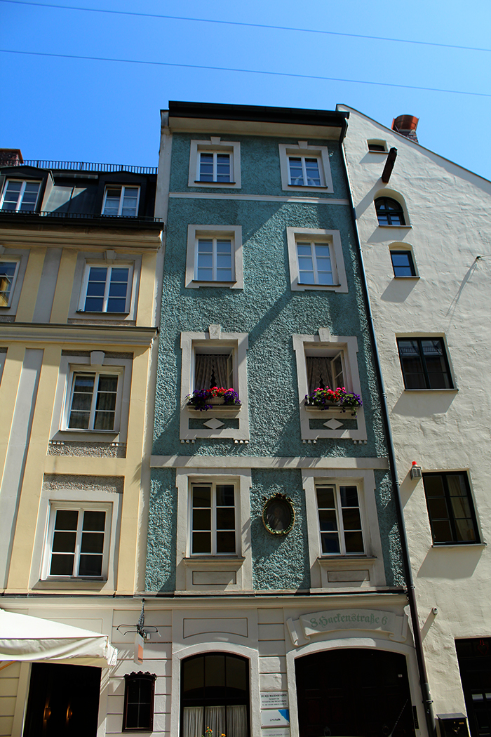 Building at the Altstadt neighbourhood.